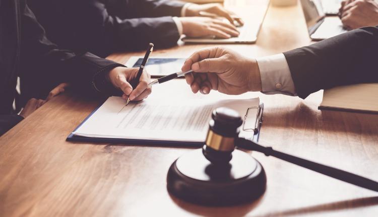 Bilingual Attorney in Miami Lakes